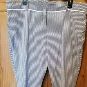 NY & Co Black and White Crop Pants sz 18